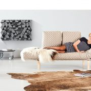orl-2014—page-04_05—rollo-wood-sofa—coz-rollo-cover-610—relax-position—front-view