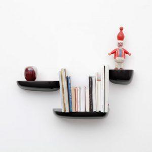 Corniches-black-with-accessories_web