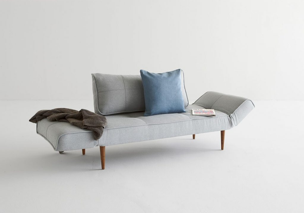istyle-2015-zeal-daybed-styletto-dark-wood-552-soft-pacific-pearl-relax-positionelevation