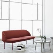 oslo_sofa_red_around_table_grey_closeup_1
