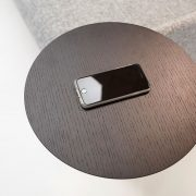 neat-noir-swing-table-with-wireless-charger-2_3
