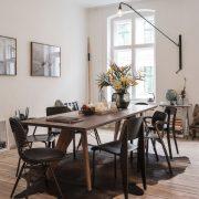 Dining-Room-in-the-Freunde-von-Freunden-_2B-Vitra-Apartment-Berlin-164151_XL