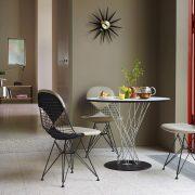 vitra-wire-chair-dkr2-sitzkissen-ambiente-02_zoom