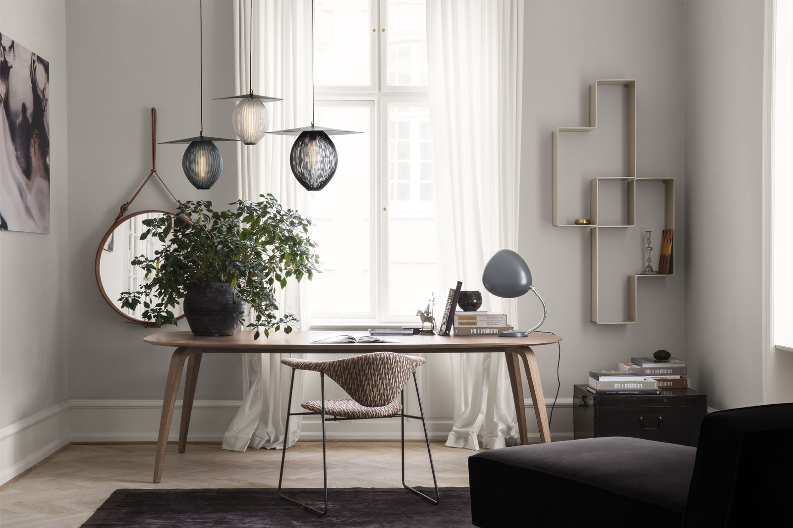 Satellite Pendant - rainy grey - white cloud - midnight black_Masculo Chair -Wienersteig M6561A08_on-1600x1600