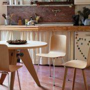 Vitra_Gueridon_Table_Oak_Lifestyle-500×500