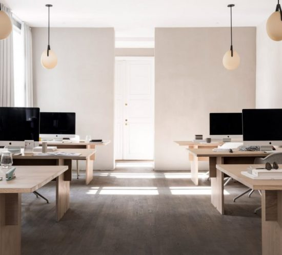 kinfolk-office_norm_architects_interiors_gallery_copenhagen_dezeen_2364_col_13-852x568